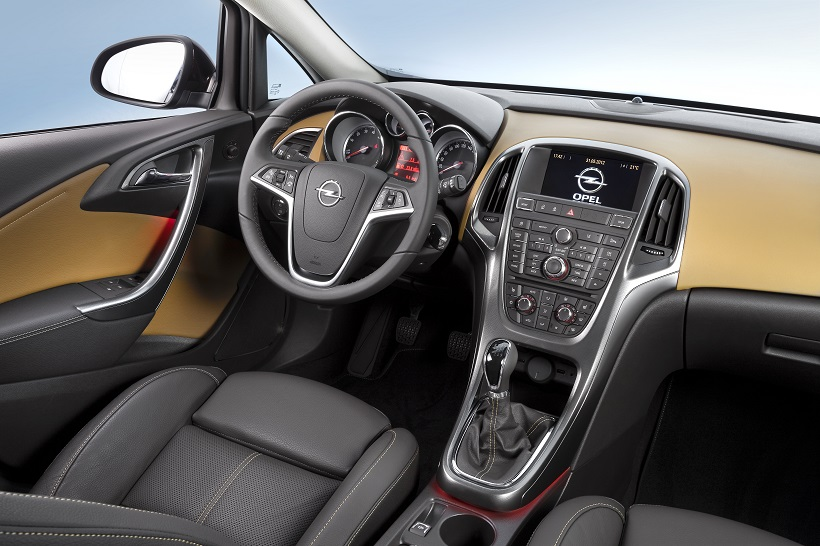 2014_Opel_Astra_Sedan_Interior