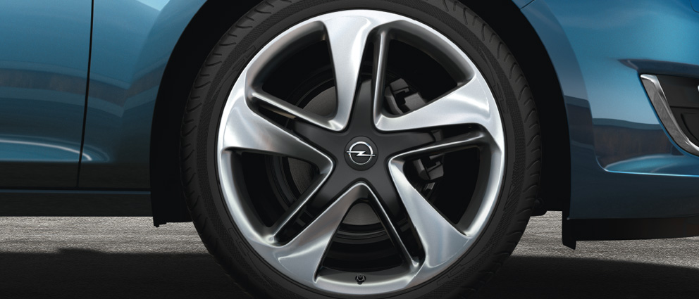 Opel_Astra_Alloy_Wheel_19_992x425_as13_w01_082_Q1D