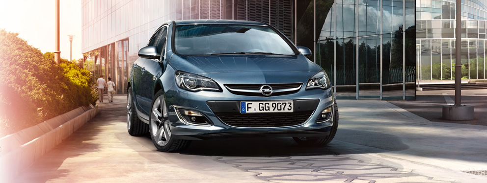 Opel_Astra_Hatchback_Exterior_Design_992x374_as14_e02_090