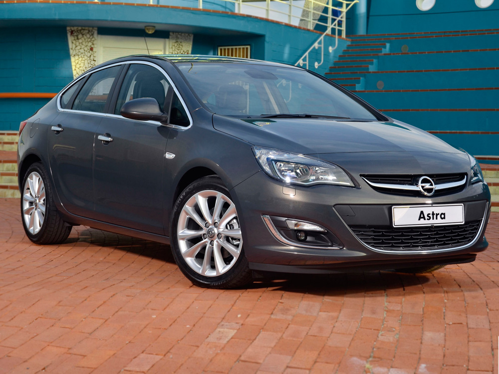 all-new-opel-astra-sedan-7