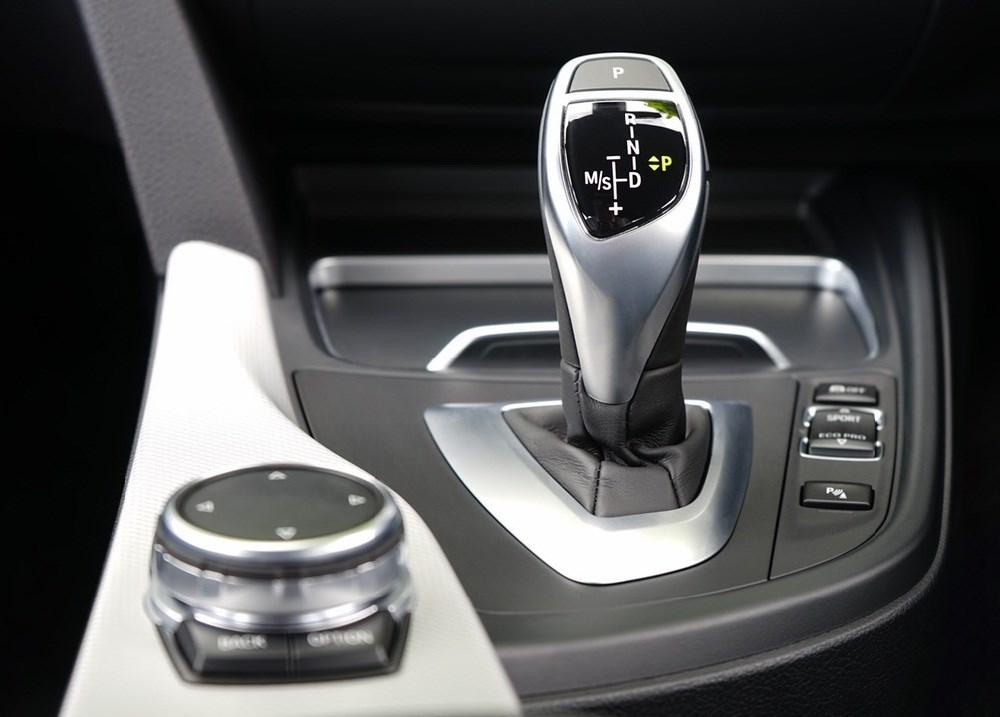 أهم نصائح لسائقي السيارات الأوتوماتيك في الزحام